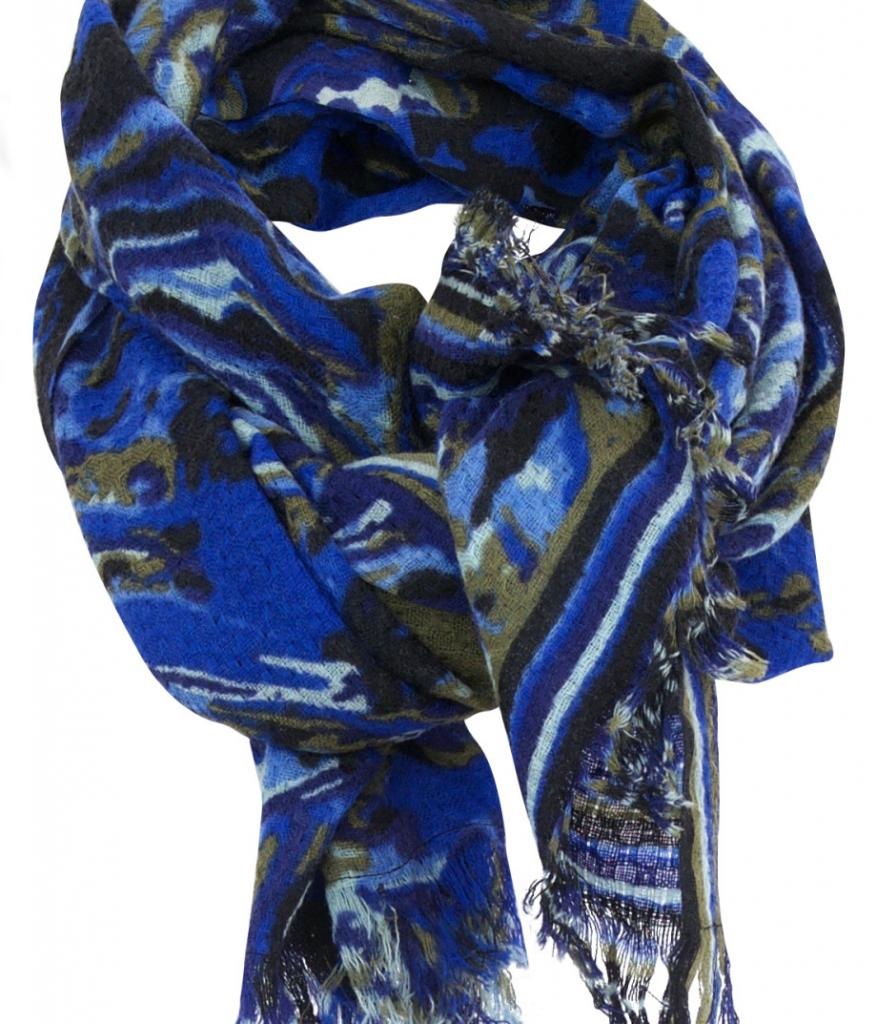 Ouahnoun-Presse-PETRUSSE-rare-bleu-1-120€-920x1073