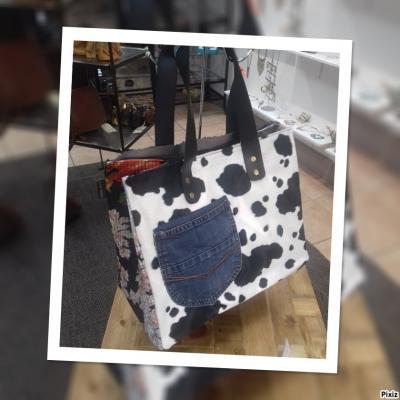 Art 22 shopping bag cow 65