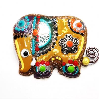 Broche elephant jaune
