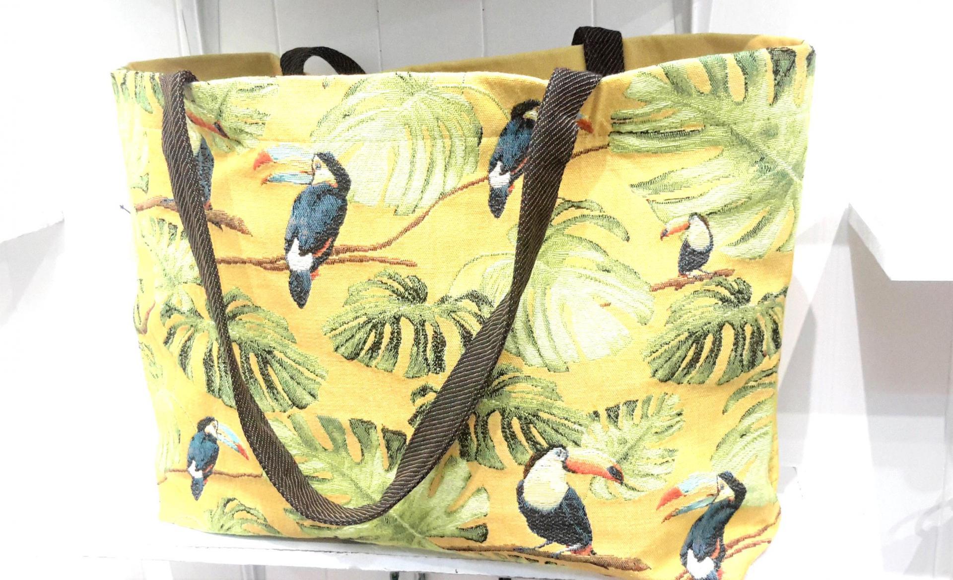 Cabbas toucan b