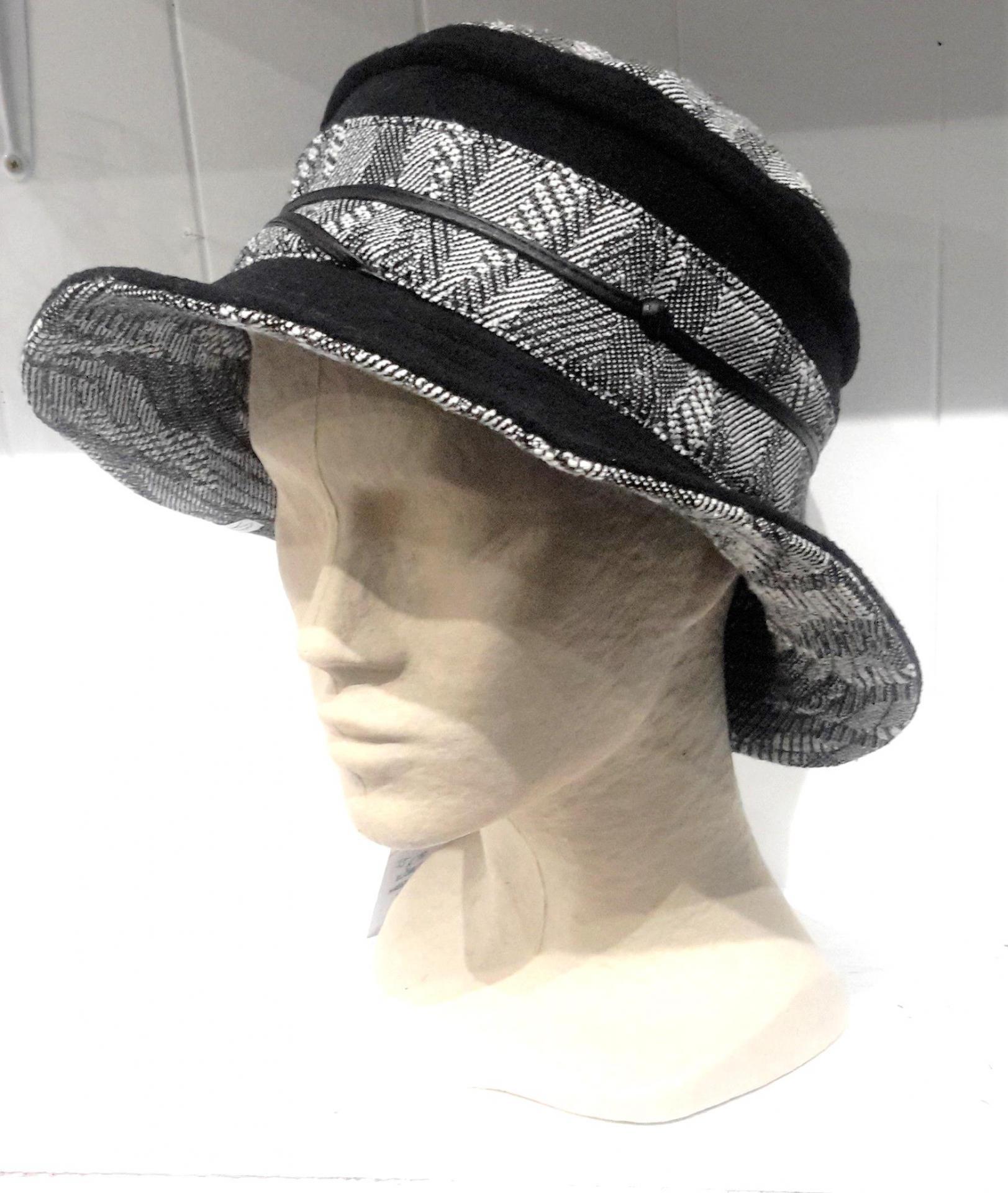 Chapeau mtm gris et noir