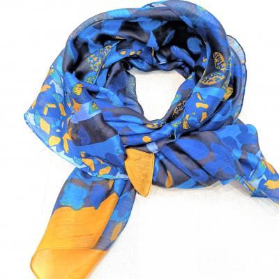 Etole petrusse soie bleu jaune 1