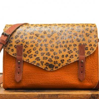 Lindispensable leopard safran argente01